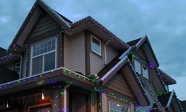 Christmas light hanging and installation services in Langley, Surrey, Abbotsford and White Rock Area